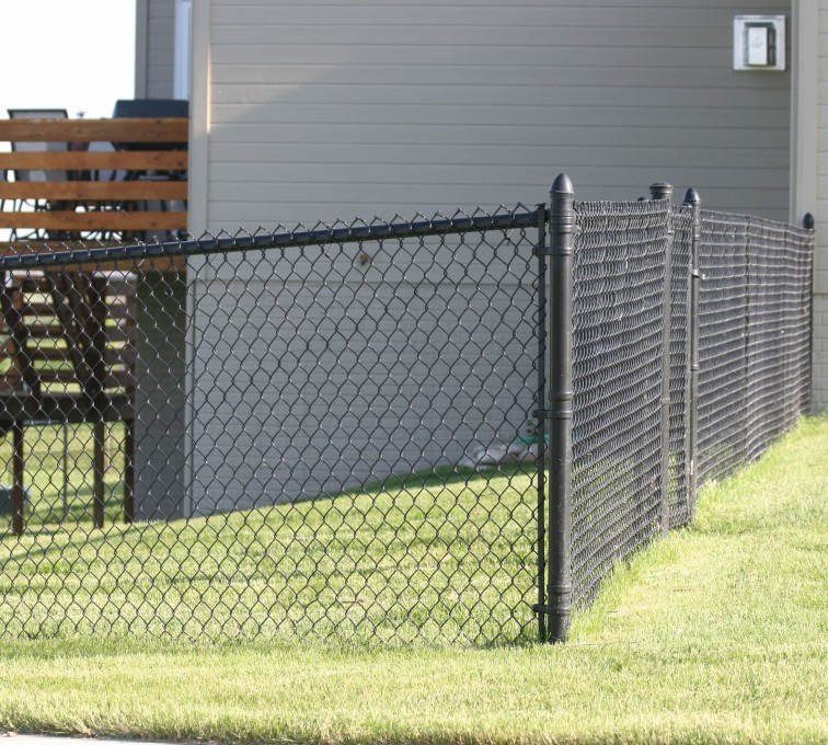 AFC Grand Island - Chain Link Fencing, 101 4' black vinyl chain link 2