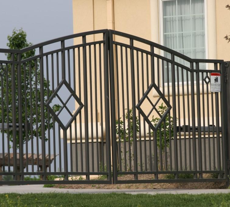 Kansas City Fence Company - Custom Gates, 1304 Estate gate with diamonds