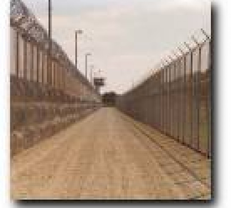 Kansas City Fence Company - High Security Fencing, 2109 Prison Fence Deadman Zone