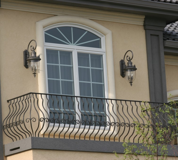 AFC Grand Island - Custom Railing, 2200 Balcony handrail with pot belly pickets
