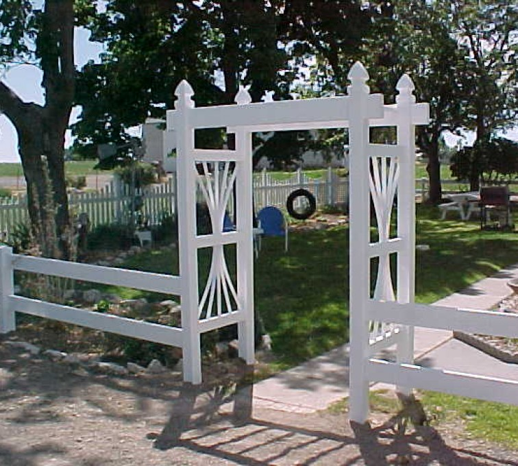 AFC Grand Island - Vinyl Fencing, Arbor 502