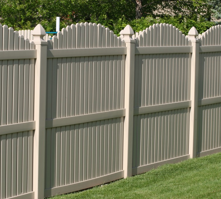AmeriFence Corporation Kansas City - Vinyl Fencing, 6' overscallop picket tan 555