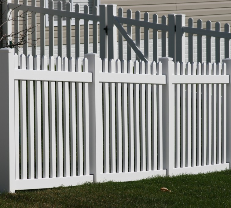 AmeriFence Corporation Kansas City - Vinyl Fencing, 559 Vinyl 4' picket