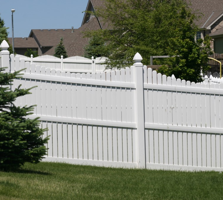 AmeriFence Corporation Kansas City - Vinyl Fencing, 563 6' Underscallop