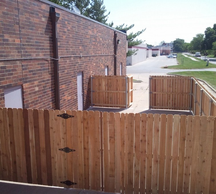 AmeriFence Corporation Kansas City - Wood Fencing, 6' Solid Wood with Steel Posts - AFC - IA