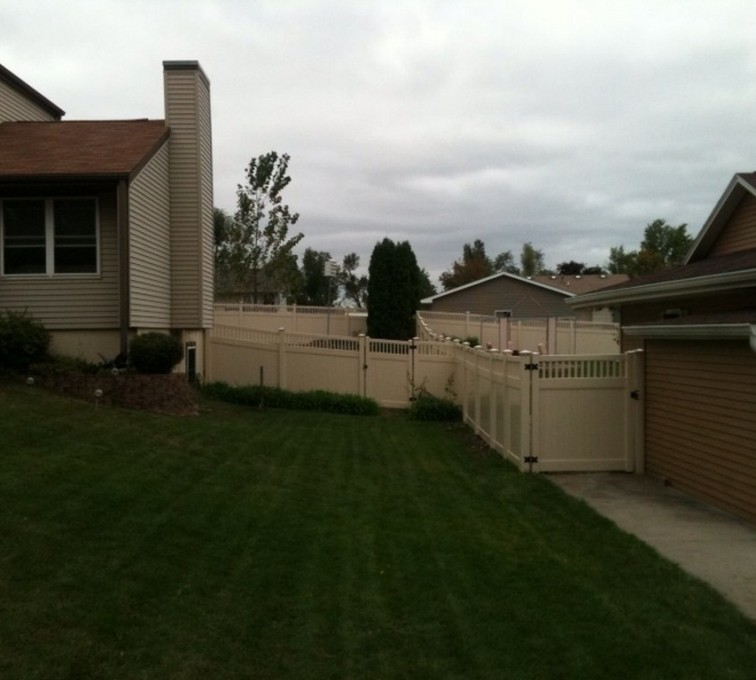 AmeriFence Corporation Kansas City - Vinyl Fencing, 6' Tan Solid PVC with Accent - AFC - IA