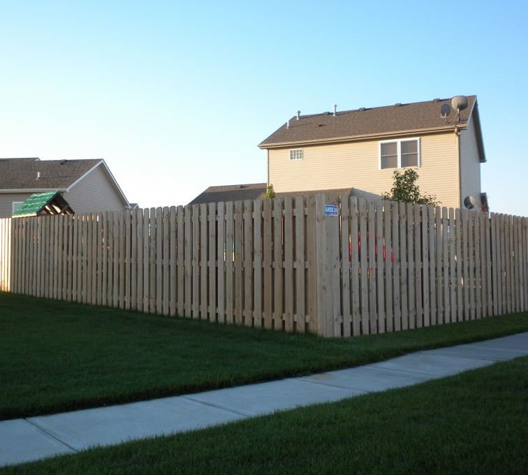 AmeriFence Corporation Kansas City - Wood Fencing, 6' Wood Board on Board