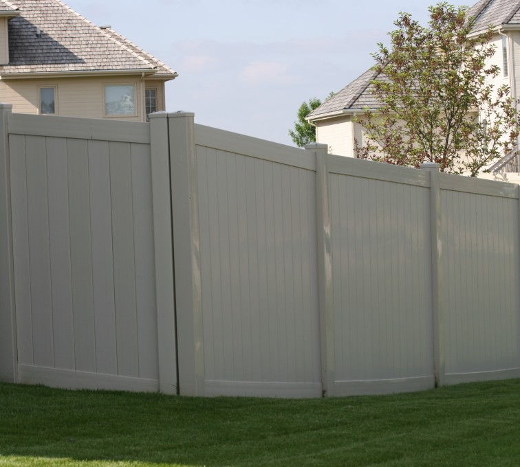 AmeriFence Corporation Kansas City - Vinyl Fencing, 6' solid privacy tan (620)