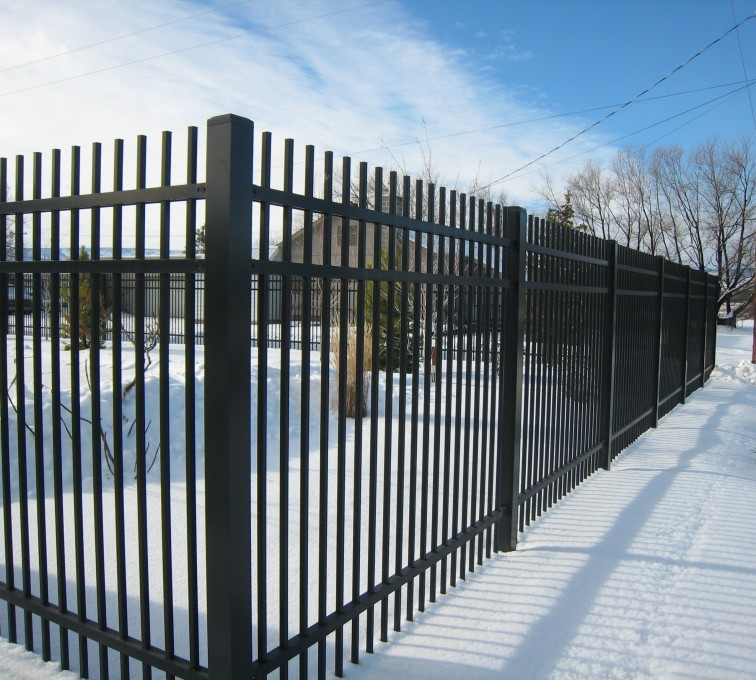 Kansas City Fence Company - American Ornamental Fencing, Alternating Picket