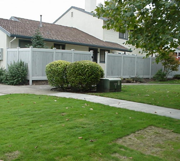 AmeriFence Corporation Kansas City - Vinyl Fencing, Greystone (601)