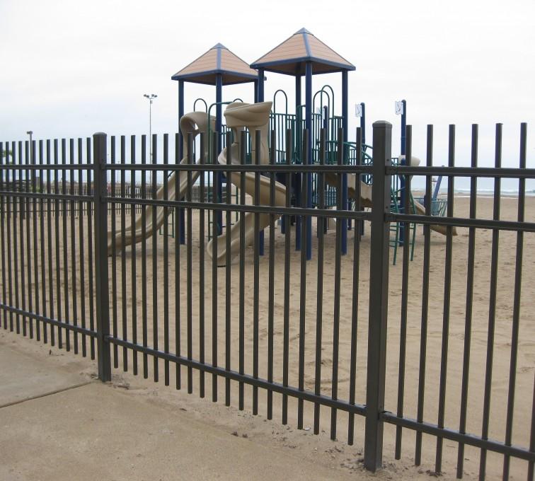 Kansas City Fence Company - American Ornamental Fencing, Alternating Picket (2)