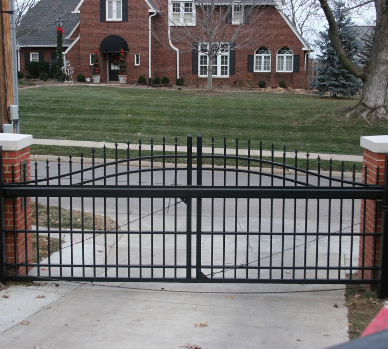 Kansas City Fence Company - Custom Gates, Overscallop Cantilever Slide Gate Residential