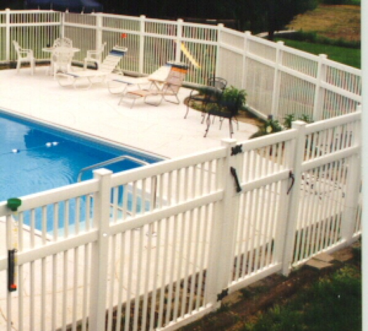 AmeriFence Corporation Kansas City - Vinyl Fencing, Pool Style Picket with 3 rails 583