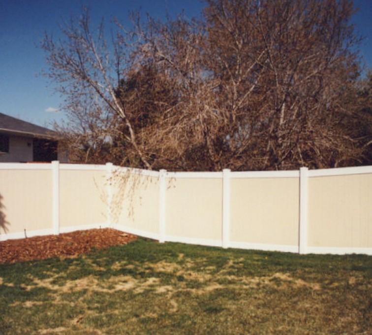 AmeriFence Corporation Kansas City - Vinyl Fencing, Privacy Tan and White (616)