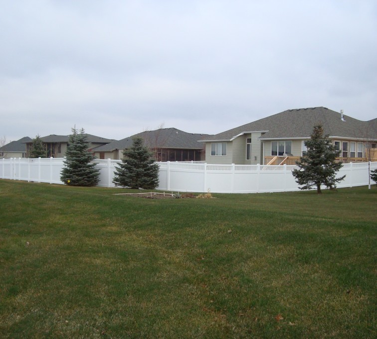 AmeriFence Corporation Kansas City - Vinyl Fencing, Privacy With Picket Accent 2