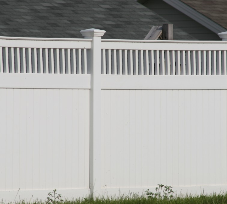 AmeriFence Corporation Kansas City - Vinyl Fencing, Privacy with Picket Accent 700