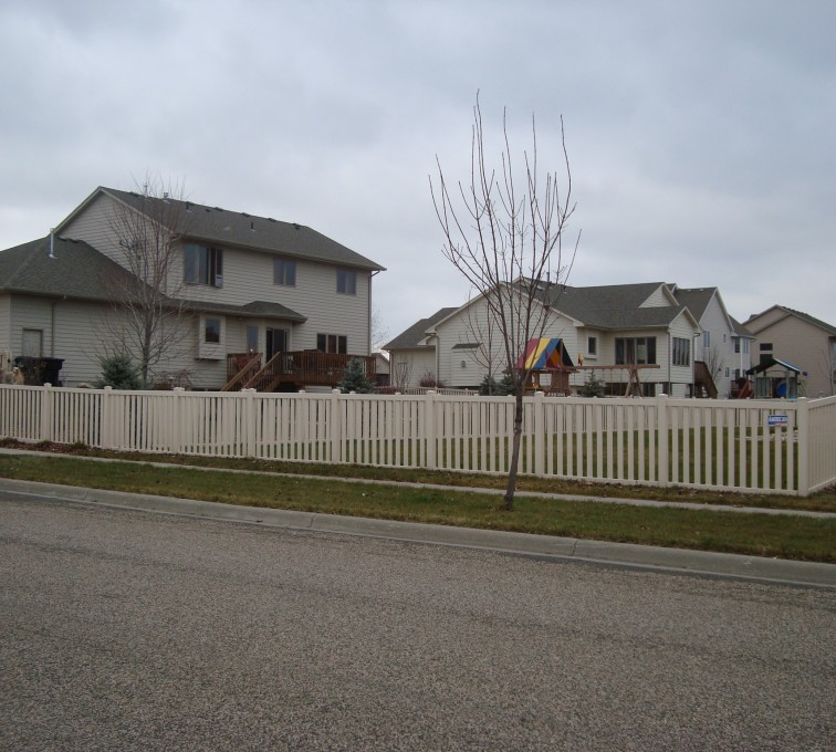AmeriFence Corporation Kansas City- Vinyl Fencing, Tan Vinyl Closed Picket AFC, SD
