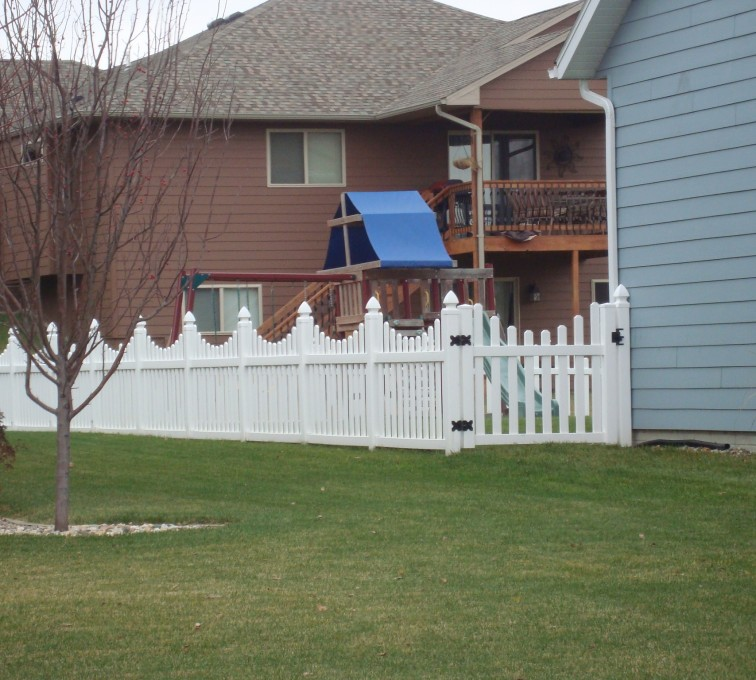 AmeriFence Corporation Kansas City - Vinyl Fencing, Vinyl Picket Under Scallop AFC, SD