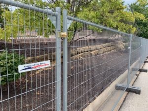 Anti-climb temporary fence panels