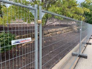 Anti-climb temporary fence panels